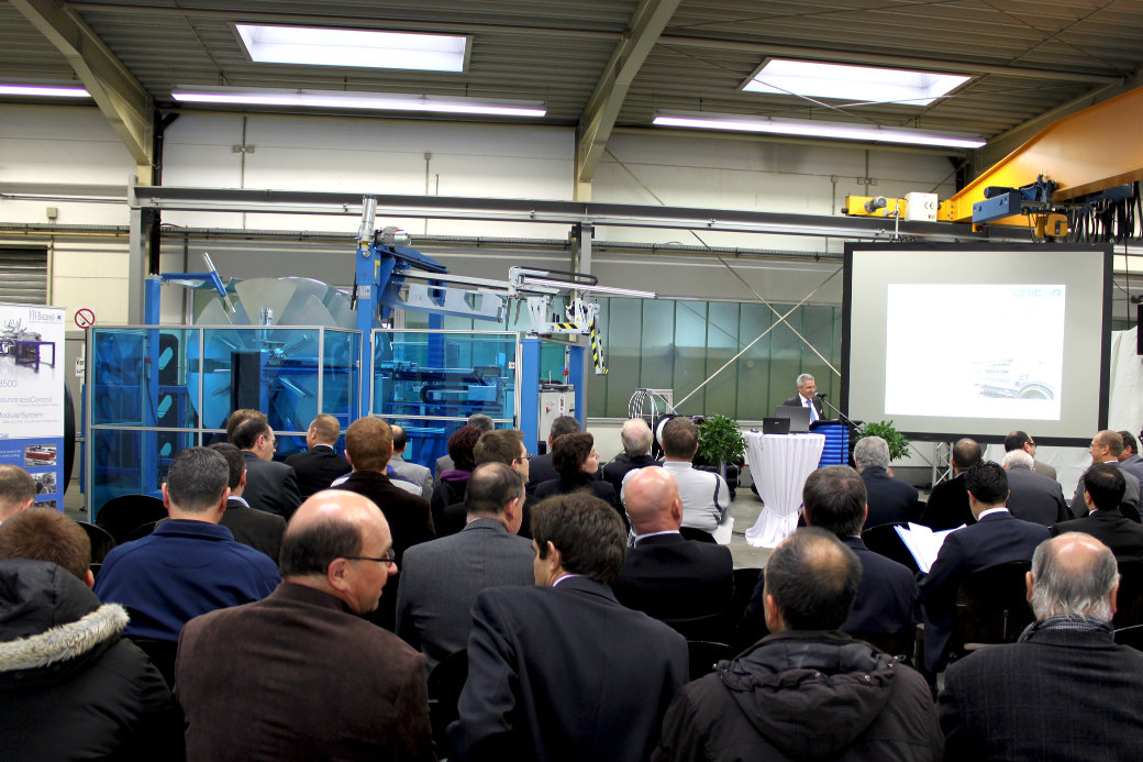 Around 100 customers and representatives from all over the world were invited to UNICOR's  presentation of its new corrugator. (photo: UNICOR)