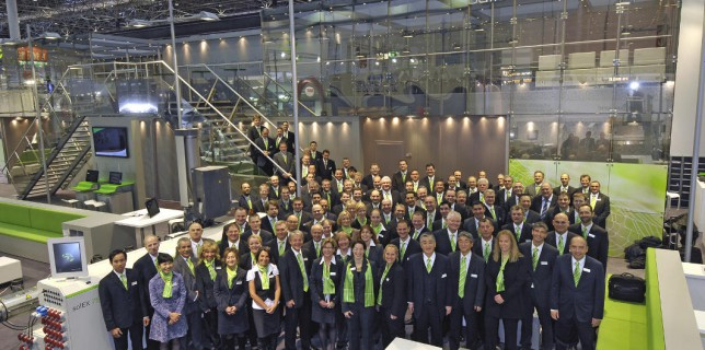At the K, the entire battenfeld-cincinnati team presented themselves as one body in the new corporate colors. The new look was extremely well received by customers and partners, the new products on display initiated the start of numerous new projects worldwide. (photo: battenfeld-cincinnati)